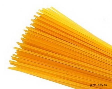 Спагетти карбонара с горошком и мятой. Запеченная курица с чесноком