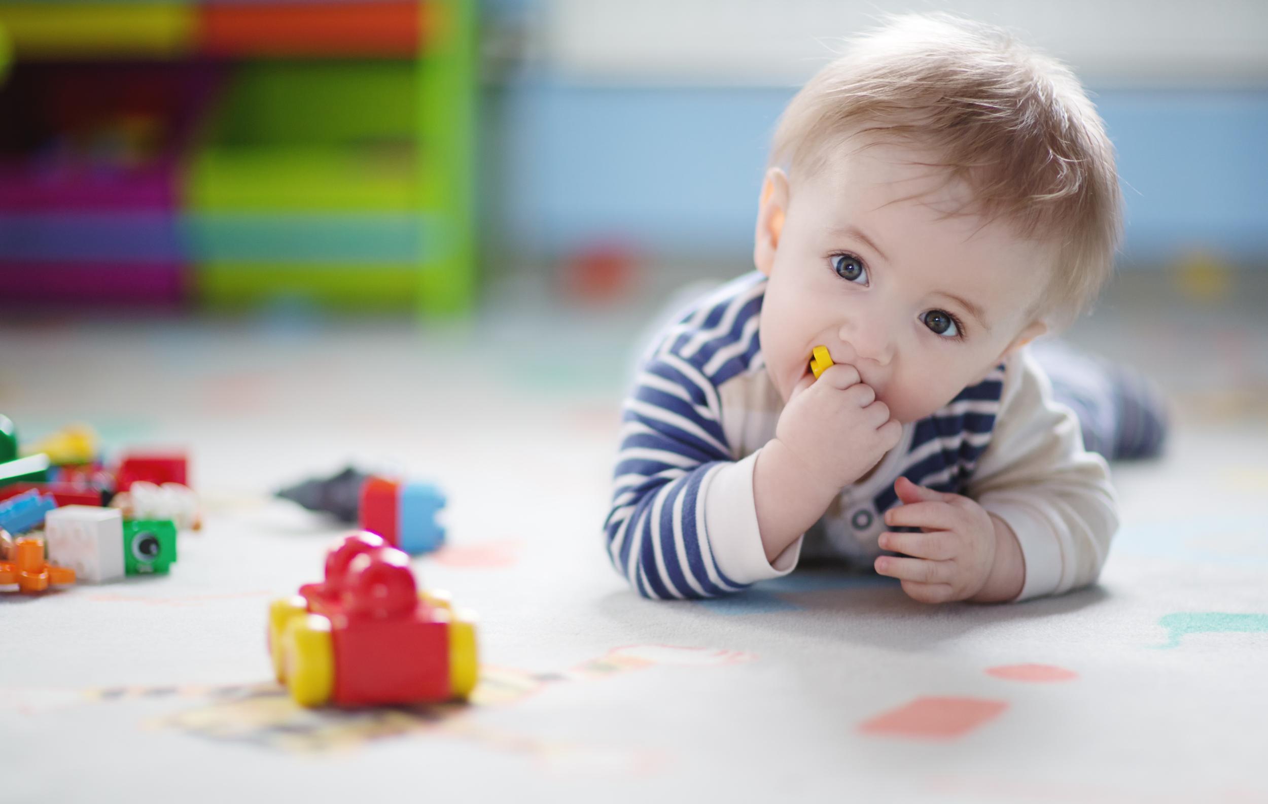 Показатели правильного физического развития ребенка до 1 годика